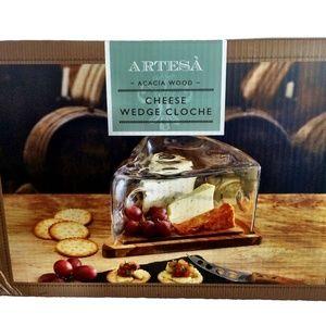 Artesa Acacia Wood Cheese Wedge Cloche
